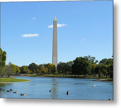 Washington Monument In Summer Metal Print by