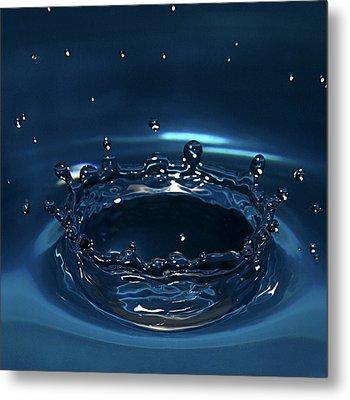 Water Drop Impact Metal Print by Linda Wright