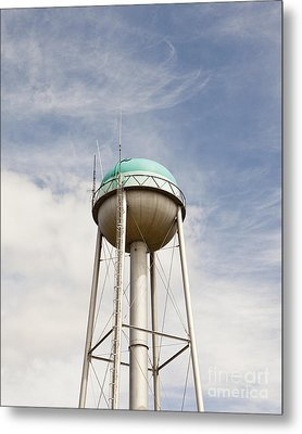 Water Tower With A Cellphone Transmitter Metal Print by Paul Edmondson