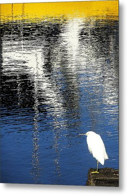 Metal Print featuring the digital art White Egret On Dock With Colorful Reflections by Anne Mott