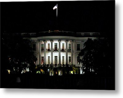 Metal Print featuring the photograph White House In December by Suzanne Stout