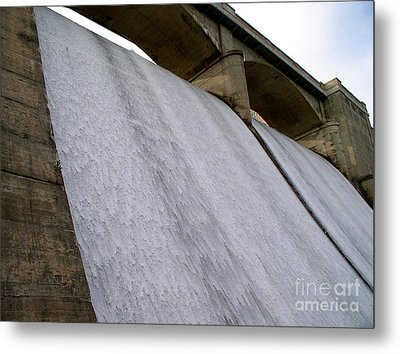 Metal Print featuring the photograph White Sheets Of Water by Mark Dodd