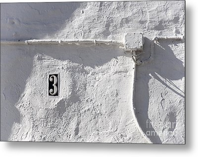 White Wall With Number 3 Plate Metal Print by Agnieszka Kubica
