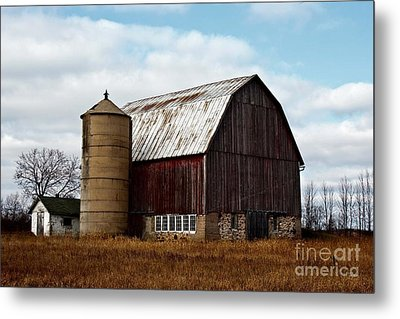 Wisconsin Dairy Barn Metal Print by Ms Judi