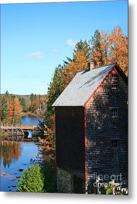 Metal Print featuring the photograph Working Gristmill by Barbara McMahon