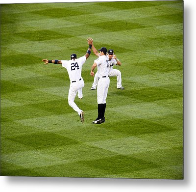 Yankee High Five Metal Print by Christopher McPhail