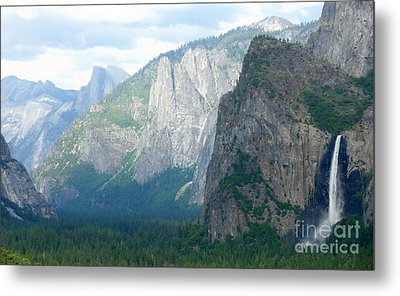 Yosemite Bridalveil Fall Metal Print