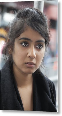 Young Indian Woman Nyc Metal Print by Robert Ullmann
