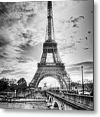 Bridge To The Eiffel Tower Metal Print by John Wadleigh