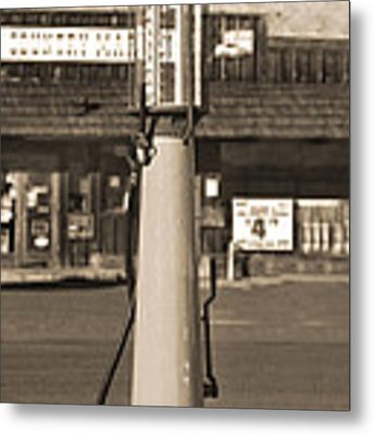 Shell Gas - Wayne Visible Gas Pump 2 Metal Print