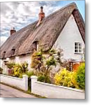 Thatched Cottage Avebury Metal Print by Paul Gulliver