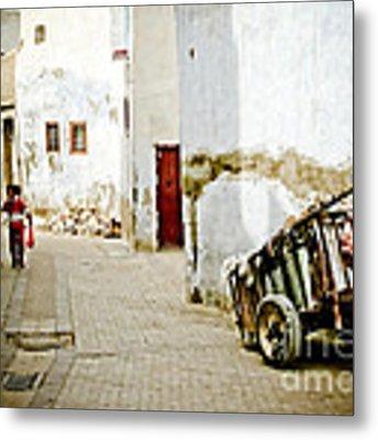Tunisian Girl Metal Print by John Wadleigh