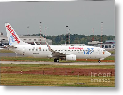 Aireuropa - Boeing 737-800 - Ec-kcg  Metal Print by Amos Dor