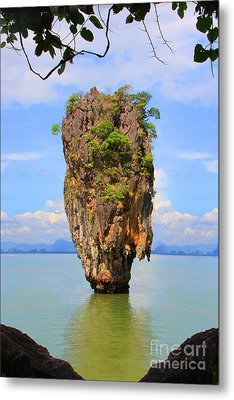 007 Island Metal Print by Mark Ashkenazi