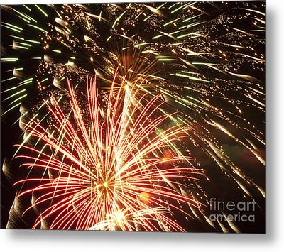 4th Of July Fireworks Metal Print by Joe Carini - Printscapes