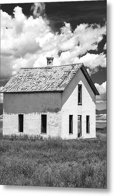 Metal Print featuring the photograph Abandoned by Colleen Coccia