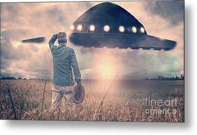 Alien Encounter Metal Print by Edward Fielding