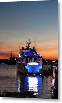 Metal Print featuring the photograph An Evening In Newport Rhode Island by Suzanne Gaff