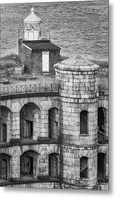 Metal Print featuring the photograph Battery Weed At Fort Wadsworth Nyc by Susan Candelario