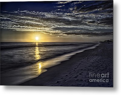 Beach Sunset 1021b Metal Print by Walt Foegelle