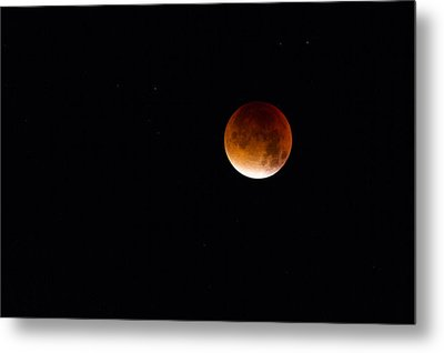 Blood Moon Super Moon 2015 Metal Print by Clare Bambers