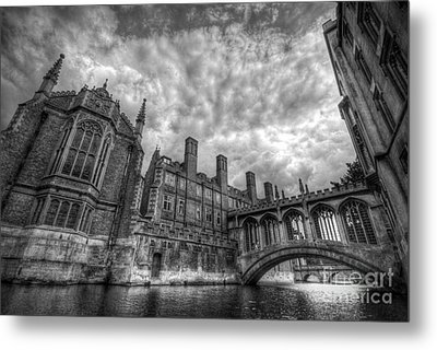 Bridge Of Sighs - Cambridge Metal Print by Yhun Suarez