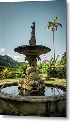 Metal Print featuring the photograph Classic Fountain by Carlos Caetano