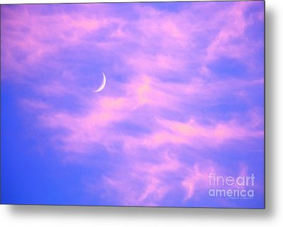 Crescent Moon Behind Cirrus Cloud In The Evening Metal Print by Gordon Wood
