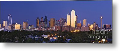 Downtown Dallas Skyline At Dusk Metal Print by Jeremy Woodhouse