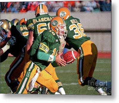 Metal Print featuring the photograph Edmonton Eskimos Football - Matt Dunigan - 1987 by Terry Elniski