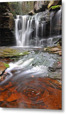 Metal Print featuring the photograph Elakala Fall by Dung Ma