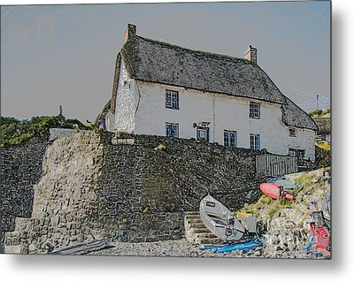 Metal Print featuring the photograph Fishermans Cottage by Brian Roscorla