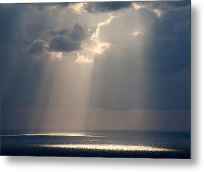 God Rays Santorini 1038 Metal Print by Bob Neiman
