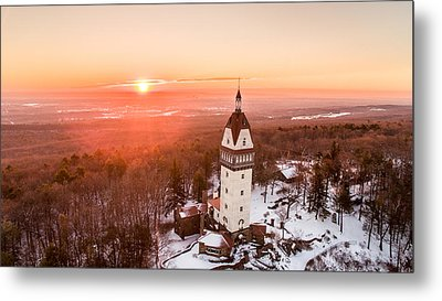Heublein Tower In Simsbury, Connecticut Metal Print by Petr Hejl