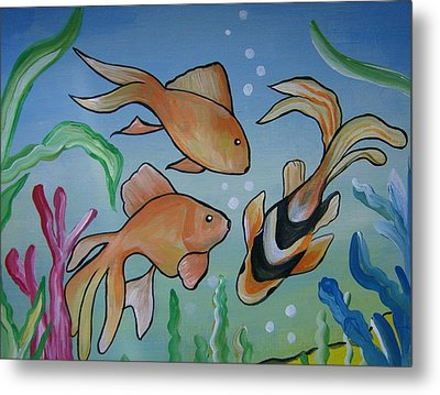 Just Fishy Metal Print by Leslie Manley