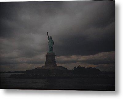 Lady Liberty Metal Print by Rob Hans