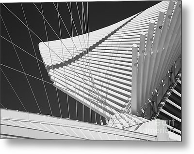 Milwaukee Museum Of Art Metal Print by Twenty Two North Photography