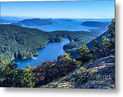 Mountain Lake Metal Print by William Wyckoff