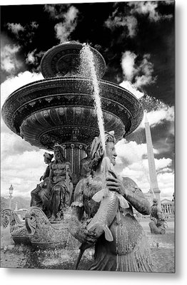 Metal Print featuring the photograph Place De La Concorde Fountain by Heidi Hermes