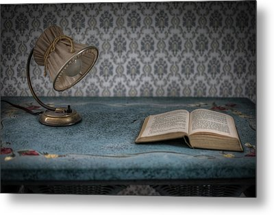 Reading Light Metal Print