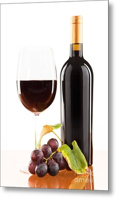 Red Wine In Glass With Bottle And Wine Grapes Metal Print by Wolfgang Steiner