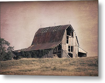 Rustic Barn Metal Print by Tom Mc Nemar
