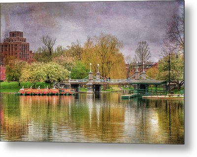 Metal Print featuring the photograph Spring In The Boston Public Garden by Joann Vitali