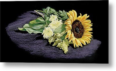Sunflower Metal Print by Vanda Luddy