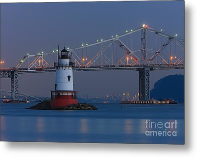Tarrytown Lighthouse And Tappan Zee Bridge At Twilight Metal Print by Clarence Holmes