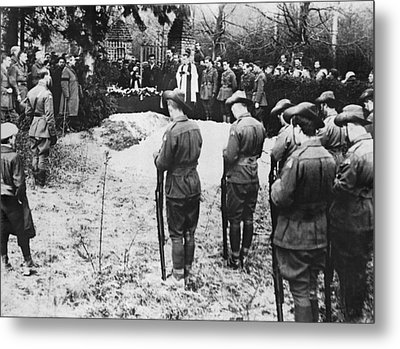 The Red Baron Burial Metal Print by Underwood Archives