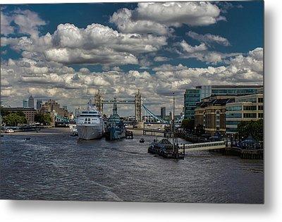 The Thames London Metal Print by Martin Newman
