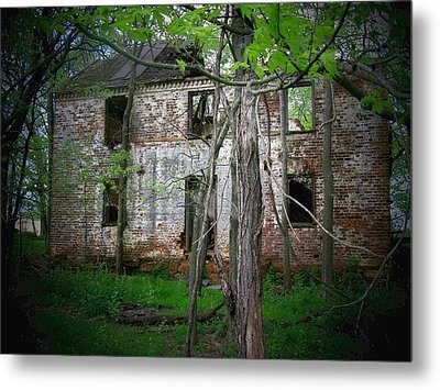 This Old House Metal Print by Joyce Kimble Smith
