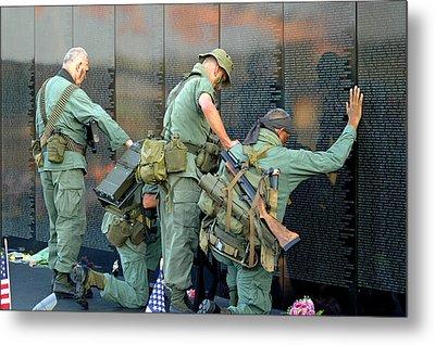 Veterans At Vietnam Wall Metal Print