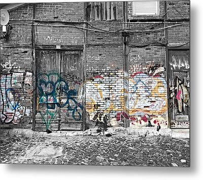 Warehouse In Lisbon Metal Print by Ehiji Etomi